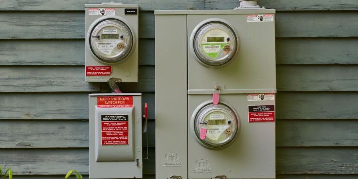 towns-trying-to-ban-natural-gas-face-resistance-in-push-for-all-electric-homes.jpg