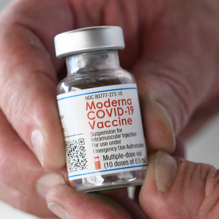 u-s-is-in-discussions-with-moderna-on-buying-covid-vaccine-doses-for-other-nations-scaled.jpg