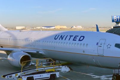 united-airlines-tumbles-9-as-business-and-international-travel-recovery-still-far-off-scaled.jpg