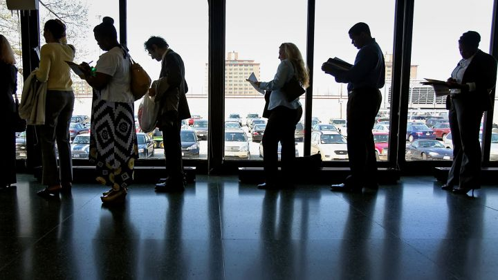 weekly-jobless-claims-post-sharp-drop-to-310000-another-new-pandemic-low.jpg