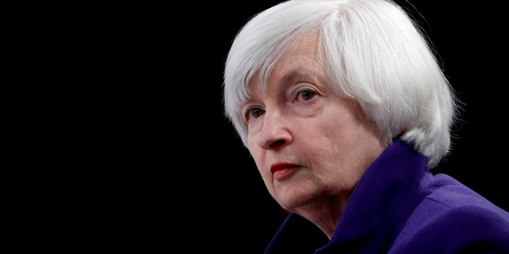 yellen-says-she-isnt-predicting-higher-interest-rates.jpg